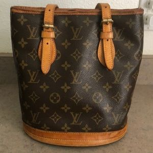 Louis Vuitton bucket tote